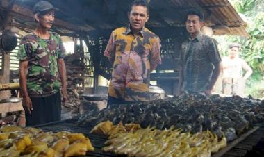 Ali Imron Minta Pemerintah Perbaiki Jalan Di Kebondamar Matarambaru